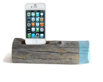 Docking Station / Painted Driftwood - Blue Sky