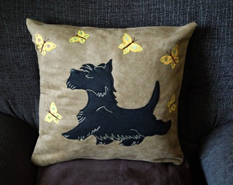 "Scottish Terrier pillow cushion cover ""Bouncy Scottie"", Handmade, appliqued, dog, pet, animal"