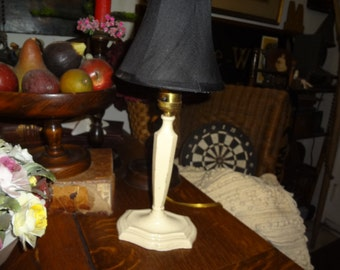 Darling chippy metal candle stick lamp