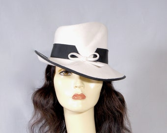 FREDERICK FOX Vintage 1960s Exquisitely Sculpted Black & White Trilby Fedora Hat