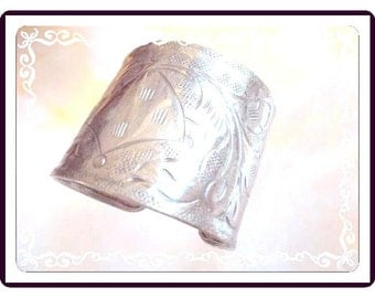 Vintage Wide Silver Cuff - Etched Broad Leaves - Palm Leaf - Silvertone - Silver or Plate - Intricate Designed 1970s  Brac-1908a-112614030