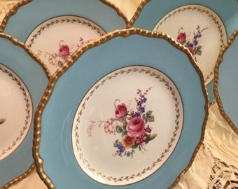 Vintage Plates/5 Luncheon Plates/Royal Doulton/Sky Blue Border/Botanical Floral Center/22 Kt Gold Gadroon Edge/Dinner Party/ Wedding Gift