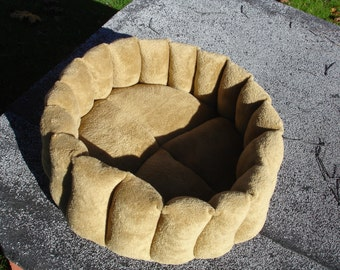 Cat bed, dog bed, pet bed, deep bed, gold bed, round bed, machine washable, yellow bed, kitty bed