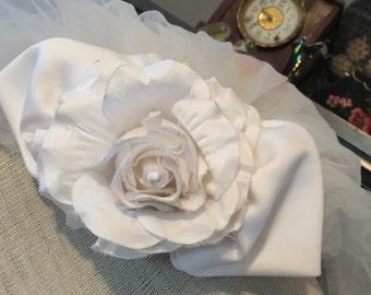 Jessica McClintock Rose Top Bridal Veil