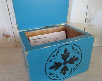 Primitive Recipe Box, Index Cards, Photo Box - Floral Design, Hinged Lid