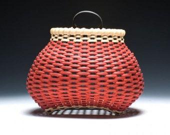 Checkerboard shaker wall basket