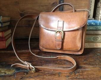 GH Bass Brown Leather Crossbody Messenger Organizer Handbag Vintage