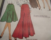 Vintage 1970's Simplicity 9772 Skirts Sewing Pattern, Waist 28