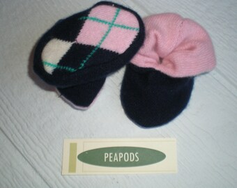 Cashmere slippers PEAPOD baby booties, navy blue and pink with argyle soles, double thick 100% cashmere, size 3-9 months