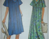 Vintage Simplicity Pattern 9154  Loose Fitting Dress Lounger  Sizes Petite to Large