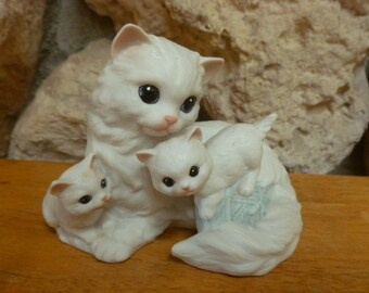 Cat and Kittens Figurine by ENESCO 1988 bisque