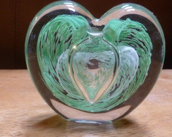 Green heart glass bud vase paperweight