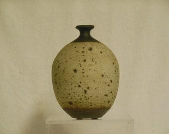 Vivika & Otto Heino Speckled vase