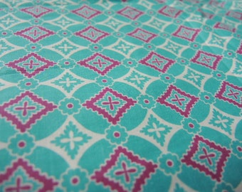 Vintage 1940s cotton fabric geometric floral aqua pink and white 36 inches wide