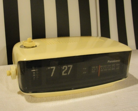 Panasonic Flip Clock Alarm Am Fm Radio Rc6001 Made In Japan