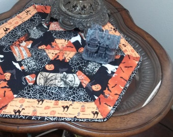 Halloween/Candle Mat/Whimsical ghost/Pumpkins