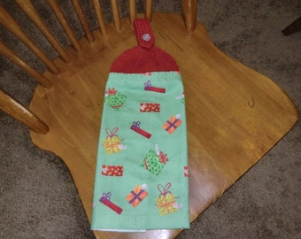 Christmas - Lots of Presents Knit Top Kitchen Towels