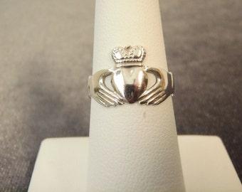 Sterling Silver Ireland Claddagh Ring Sz.6 3/4 R90