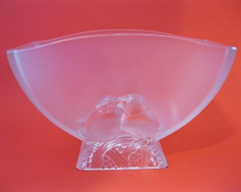 Verlys Frosted Glass Lovebirds  Vase U.S. Made