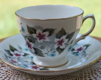 """ROYAL VALE Bone China Teacup and Saucer Set """"8172""""  2 Sets Available"""