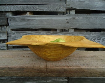 Hand carved wood bowl - Wood bowl - Log cabin Decor - Carved wood bowl -  Wood carving - Wooden bowl - Table centerpiece - Pine wood bowl