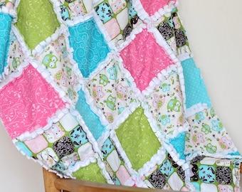 Girl's pastel owl rag crib quilt