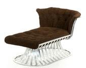 Vintage Russell Woodard Mid Century Modern Aluminum Chaise Lounge Sofa circa 1960