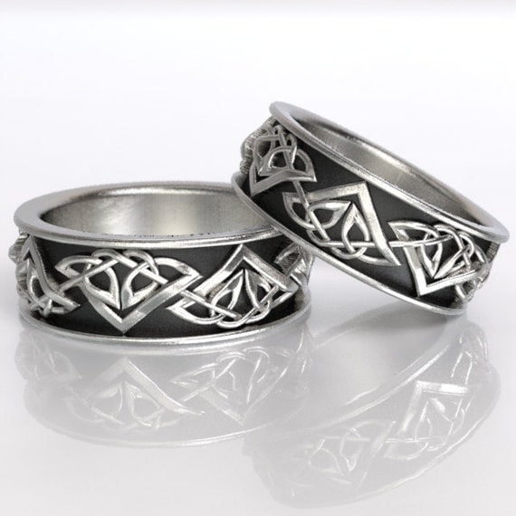 Set of Celtic Wedding Rings With Tribal Triangle Knot Design in Sterling Silver, Made in Your Size CR-1122