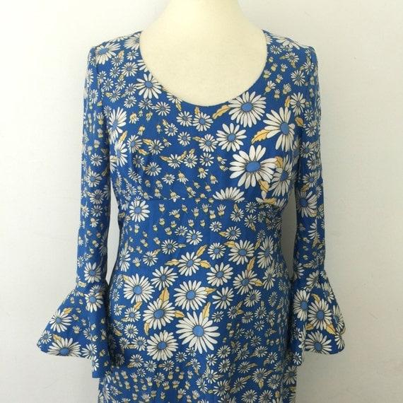 1970s maxi dress daisy print flower power dress flared sleeve 70s hippy boho jazzy disco blue flowery UK 14 long festival abigails party