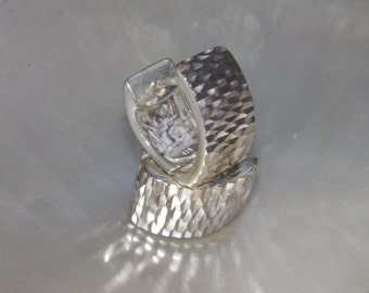Handcrafted .925 Sterling Silver Triangular Hoop Earrings Diamond Cut