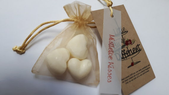 Hand poured beautifully Christmas scented soy wax vegan melts for oil burners