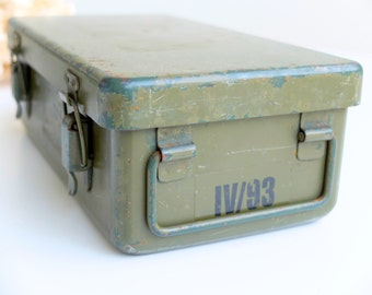 French vintage military box / army