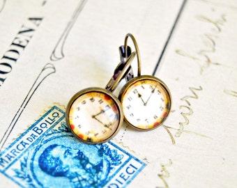 "Handmade Alice in wonderland cabochon earrings ""I'm late ! """