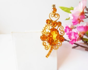 Gold Brooch, Vintage Gold Pin, Vintage Brooch,  Glamorous Brooch, Costume Jewelry, Amber Glass Brooch, Sparkly Brooch
