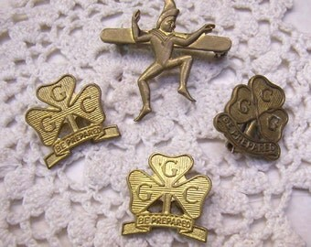 "Four (4) Vintage GIRL GUIDES and BROWNIE Pins.....1 Pixie Pin...Promise Badge...3 ""Be Prepared"" Canada Pins"