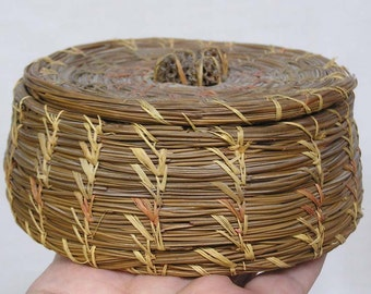 Vintage Natural Woven Reed Sewing Basket with Seeds Finial