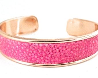 Stingray leather bracelet pink