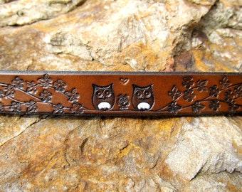 Womens Leather Bracelet Cuff - Custom - Family of Owls on a Branch - 3/4 inch wide - Women - Snap - Single Leather Wrap