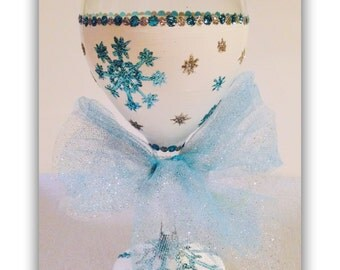 Snowflake Christmas Wine Glass, Blue and Silver Snowflakes on Wine Glass, Christmas Glasses