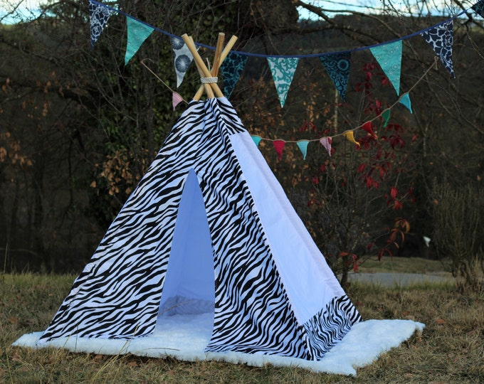 tipi / tepee / tipi / teepee Tent Zebra . Playtent. POLES NOT INCLUDED.