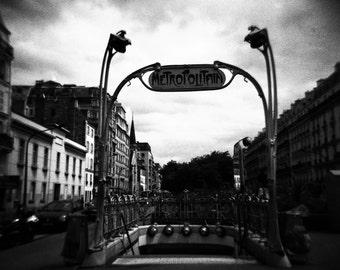 Paris Metropolitain, Holga photograph, Black and White