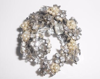 Original By Robert Brooch Pin Rhinestones Faux Pearls Vintage 1950's
