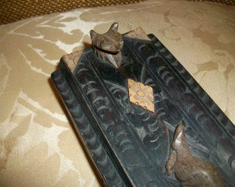SALE, Vintage Carved Wooden Box with Lid featuring Lizard and Fox Head