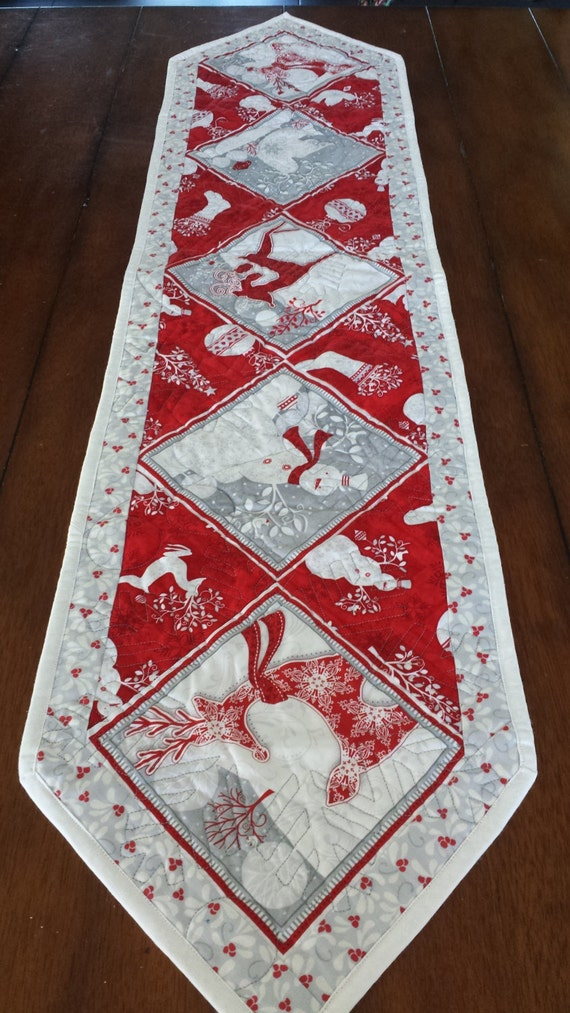 Red white and silver christmas table runners for Instructions to make christmas table decorations