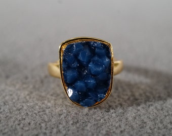 Vintage Band Ring Yellow Gold Tone Oblong Oval Faux Blue Drusy Size 6