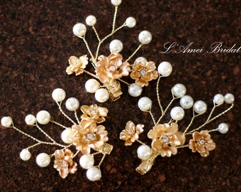 Bridal hair piece. Wedding set of  2 clip. Gold flower Hair vines clip. Pearl hair pins. Wedding accessories. Golden small flower pins