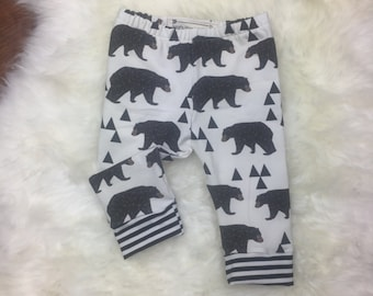 Bear with triangles and bamboo striped cuffs leggings