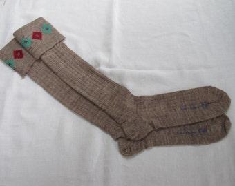 "Vintage 1940's WW2 Era CC41 Utility Mark Brown Boy's School Evacuee Socks - Size 9"""