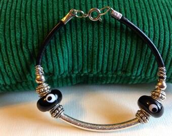 Handmade Leather Bracelet/Lampwork Beads/Silver