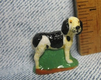 Beagle Hound Hunting Dog, Hunting in the Woods Series  - French Feve Feves Figurines Miniatures V140